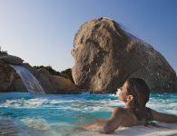 21_Erica_benessere_piscina_ragazza_orizzontaleRGB