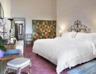 Cala di Volpe-Premium Room Bedroom 1