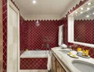 Cala di Volpe-Superior Room Bathroom