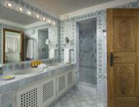 Pitrizza-Deluxe Suite Bathroom