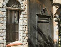8 - Cala Moresca Dettaglio Portone