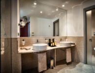 Ma bathroom suite