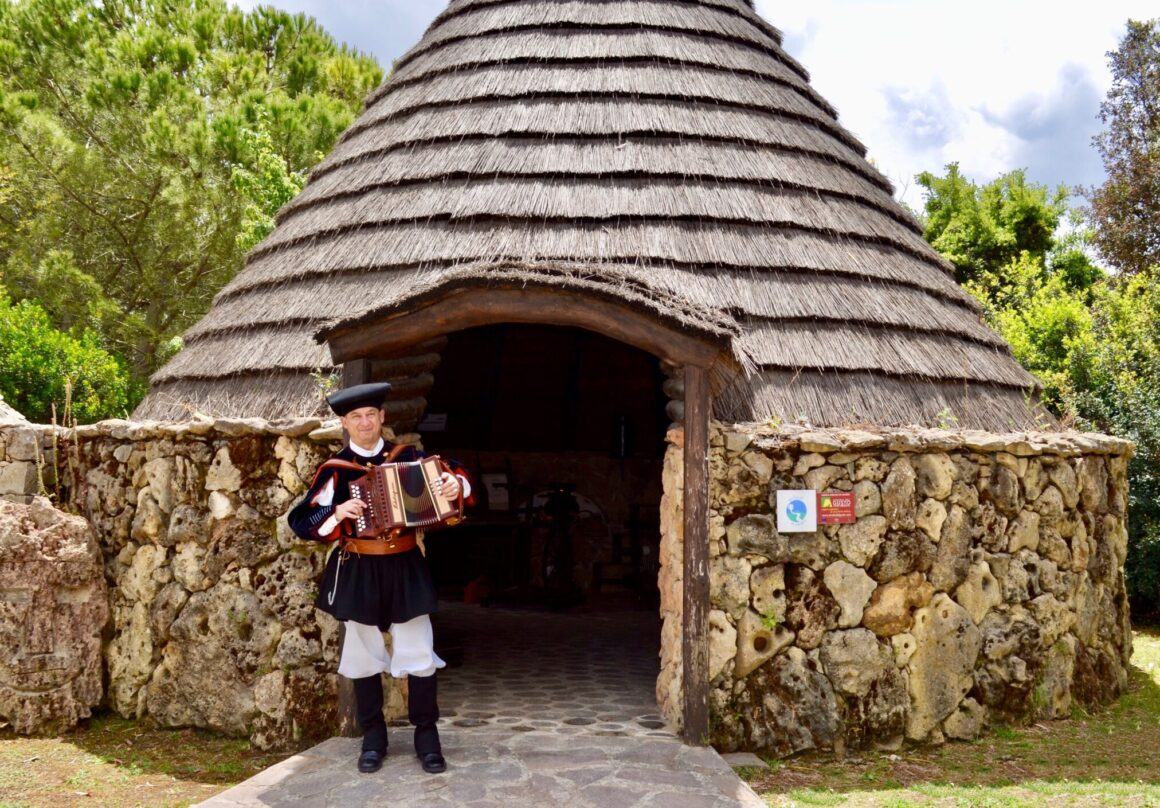 Visit Sardinia VIP   Sardinian farmhouse and traditional cuisine