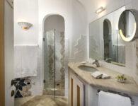 43. Apartment - Bathroom